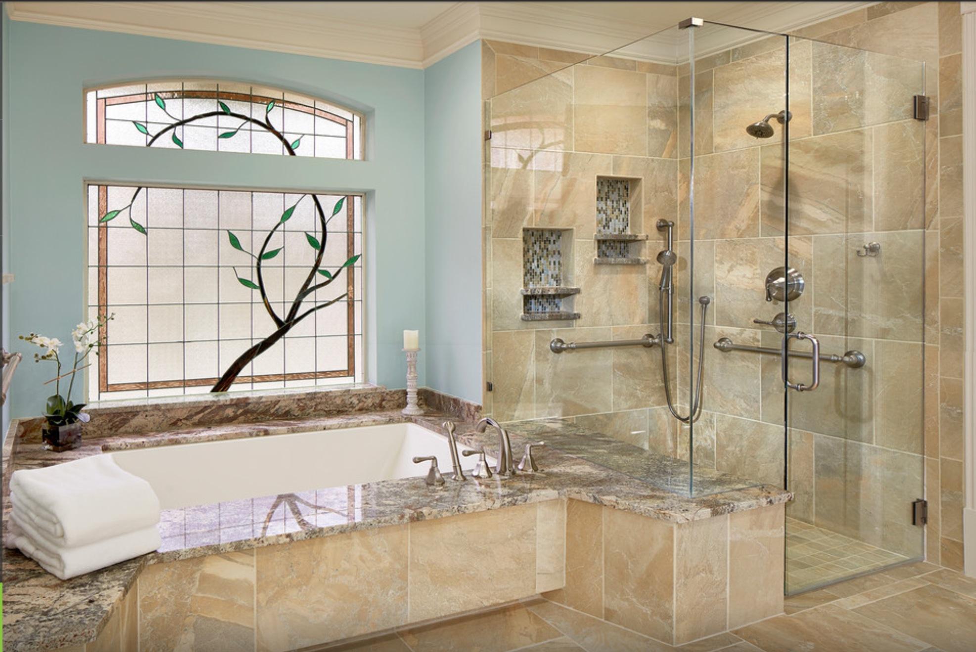 Ванная комната с отдельной душевой кабинкой
