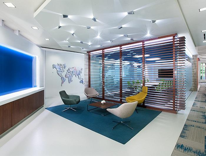 Вариант освещения в офисе