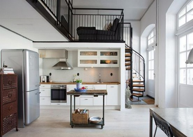 Вариант оформления двухуровневой квартиры в стиле лофт