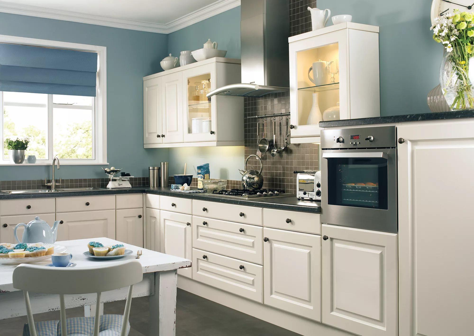 Визуальное увеличение кухни в двухкомнатной квартире