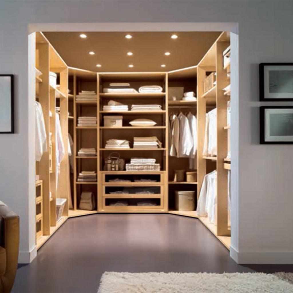 Вход в гардеробную
