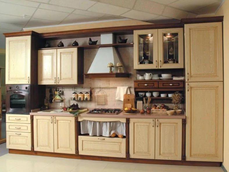 Деревянная мебель для кухни 6 кв.м в скандинавском стиле