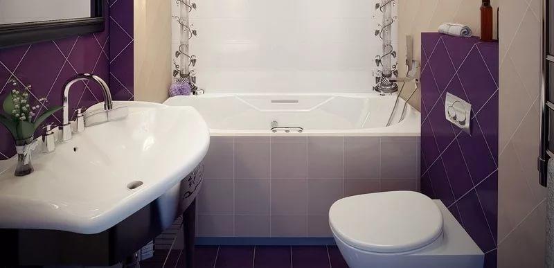 Дизайн маленькой ванной контрастных цветов