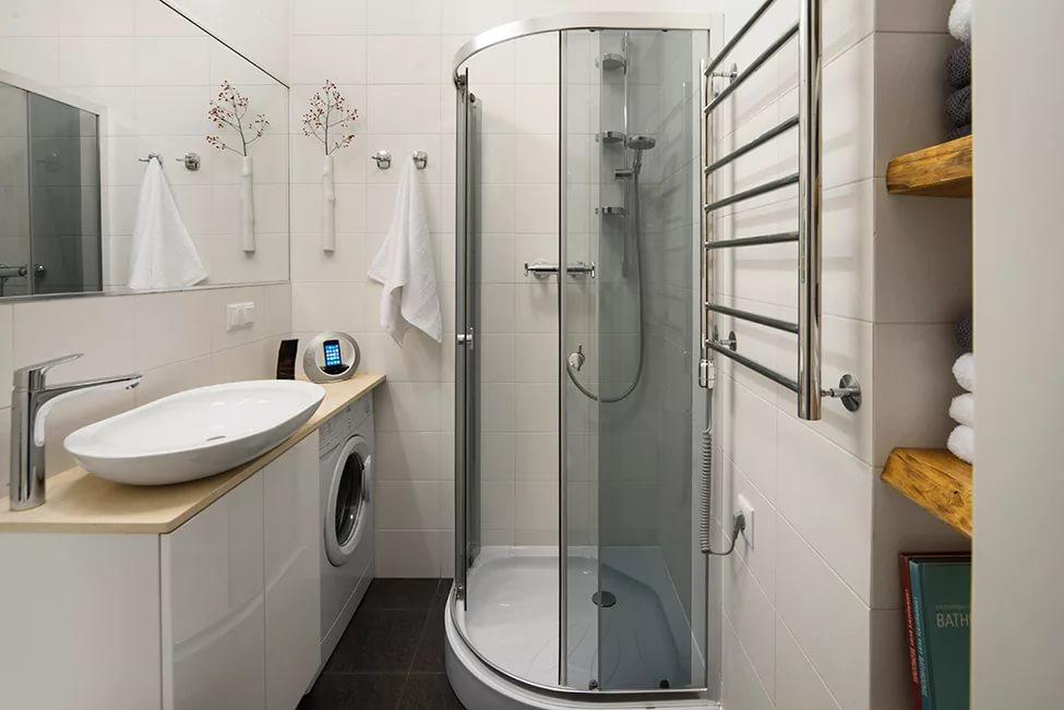 Душевая кабина в ванной в хрущевке
