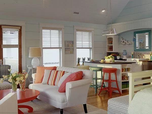 Естественное освещенеи кухни совмещенной с гостиной