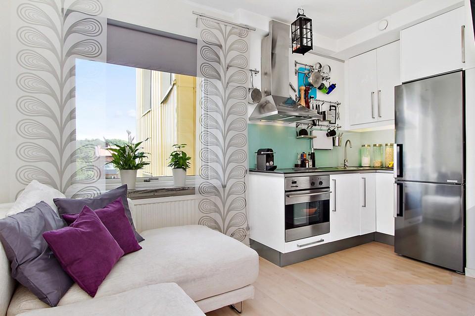 Интерьер маленькой кухни в квартиры-студии 25 кв. м