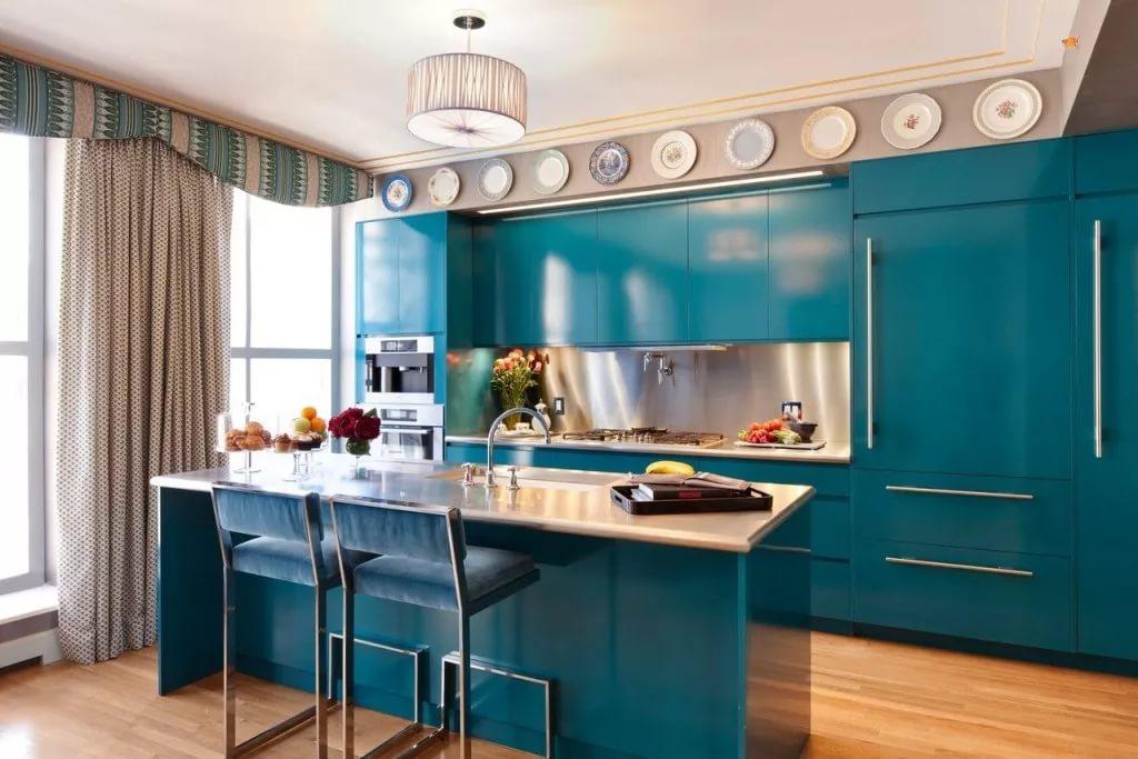 Использование синего цвета в оформлении кухни в двухкомнатной квартире