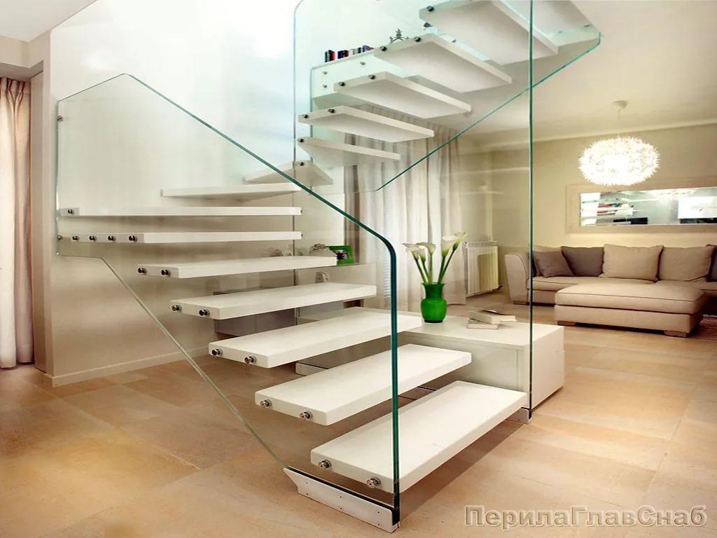 Консольные лестницы в дизайне двухуровневой квартиры