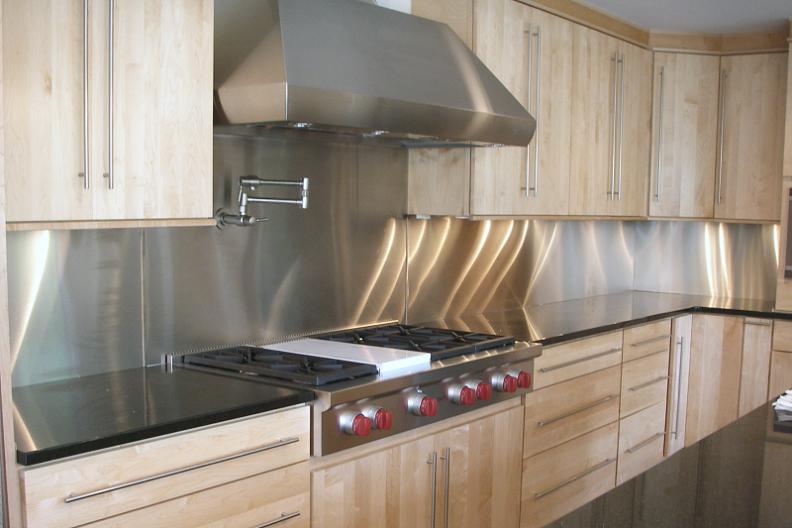 Кухонный фартук из нержавеющей стали