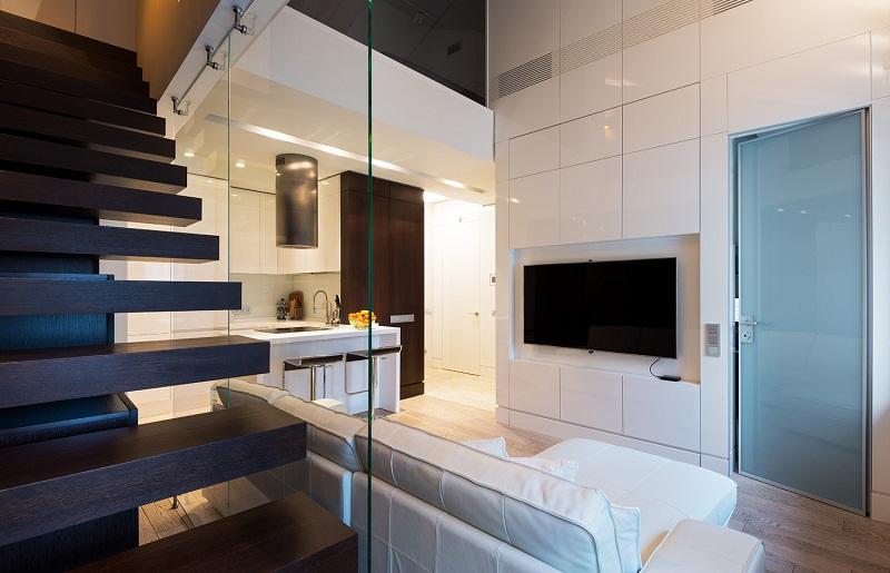 Лестница в дизайне двухуровневой квартиры