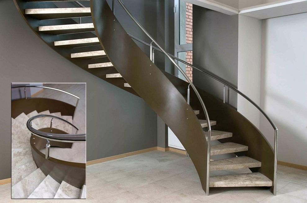 Лестница в интерьере двухуровневой квартиры