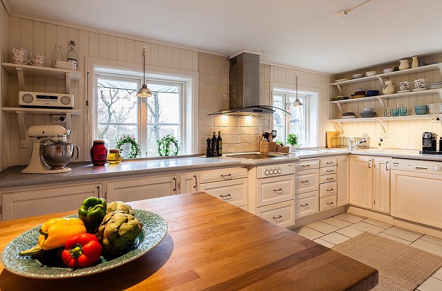 Мебель в деревянном доме скандинавского стиля