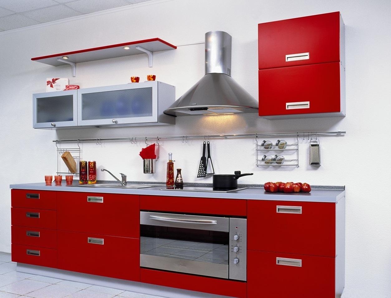 Мебель для кухни 6 кв.м с пластиковым фасадом