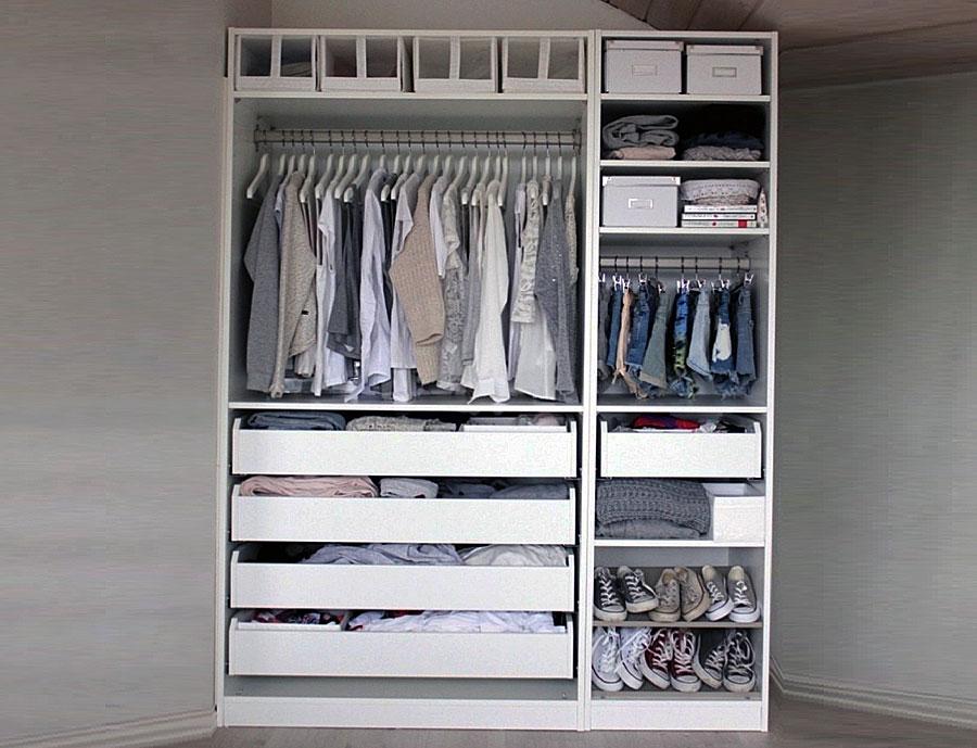 Небольшие шкафчики с выдвижными ящиками в гардеробной