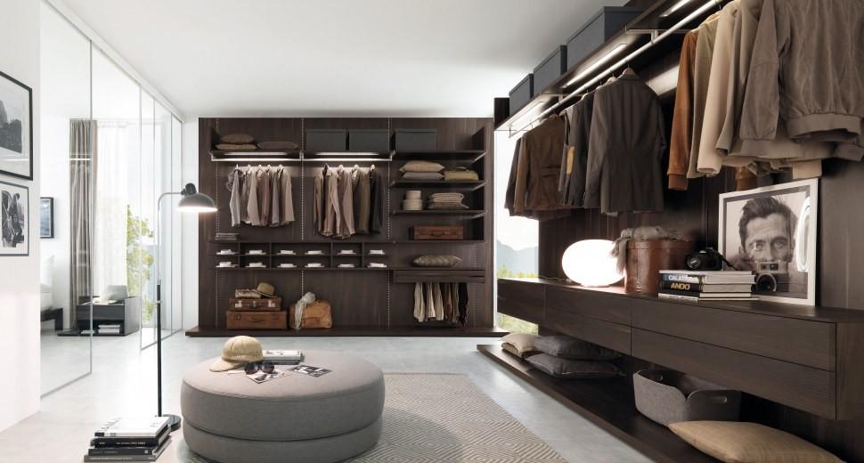 Отделка деревом мужской гардеробной