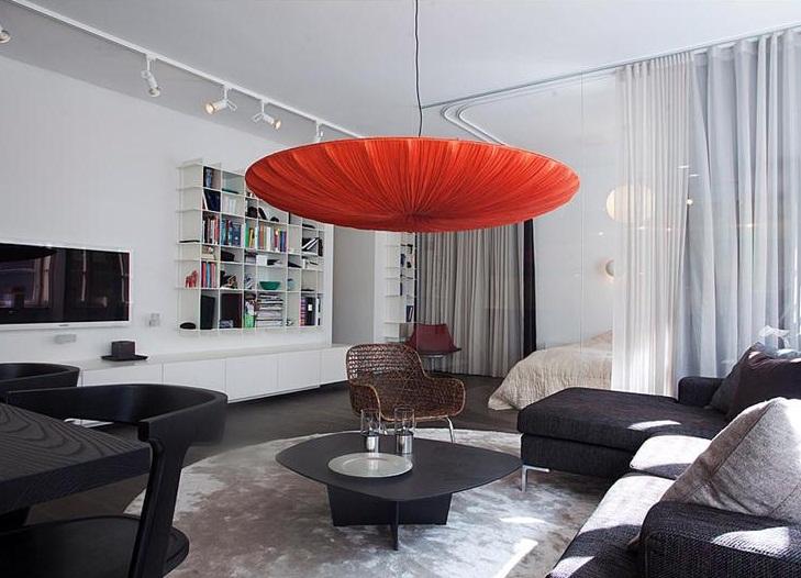 Оформление однокомнатной квартиры в контрастных тонах