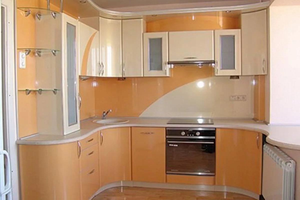 Размещение гарнитура в кухне двухкомнатной квартиры