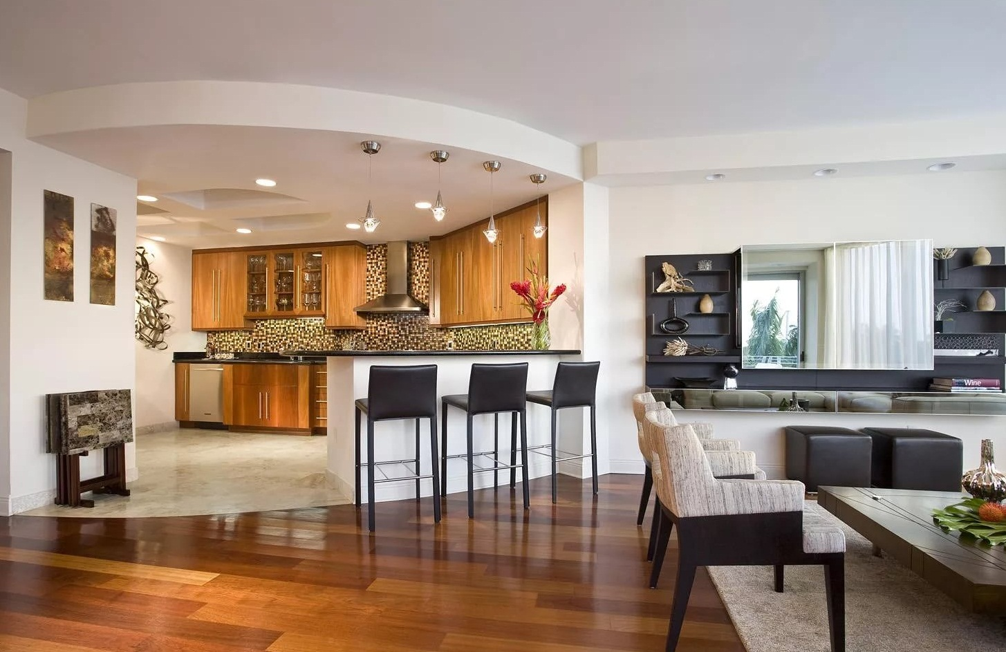 Размещение кухни в двухкомнатной квартире на подиуме