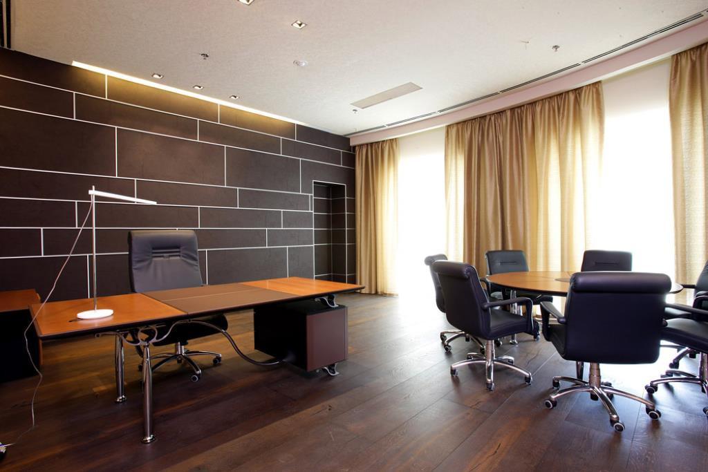 Строгий стиль в оформлении кабинета