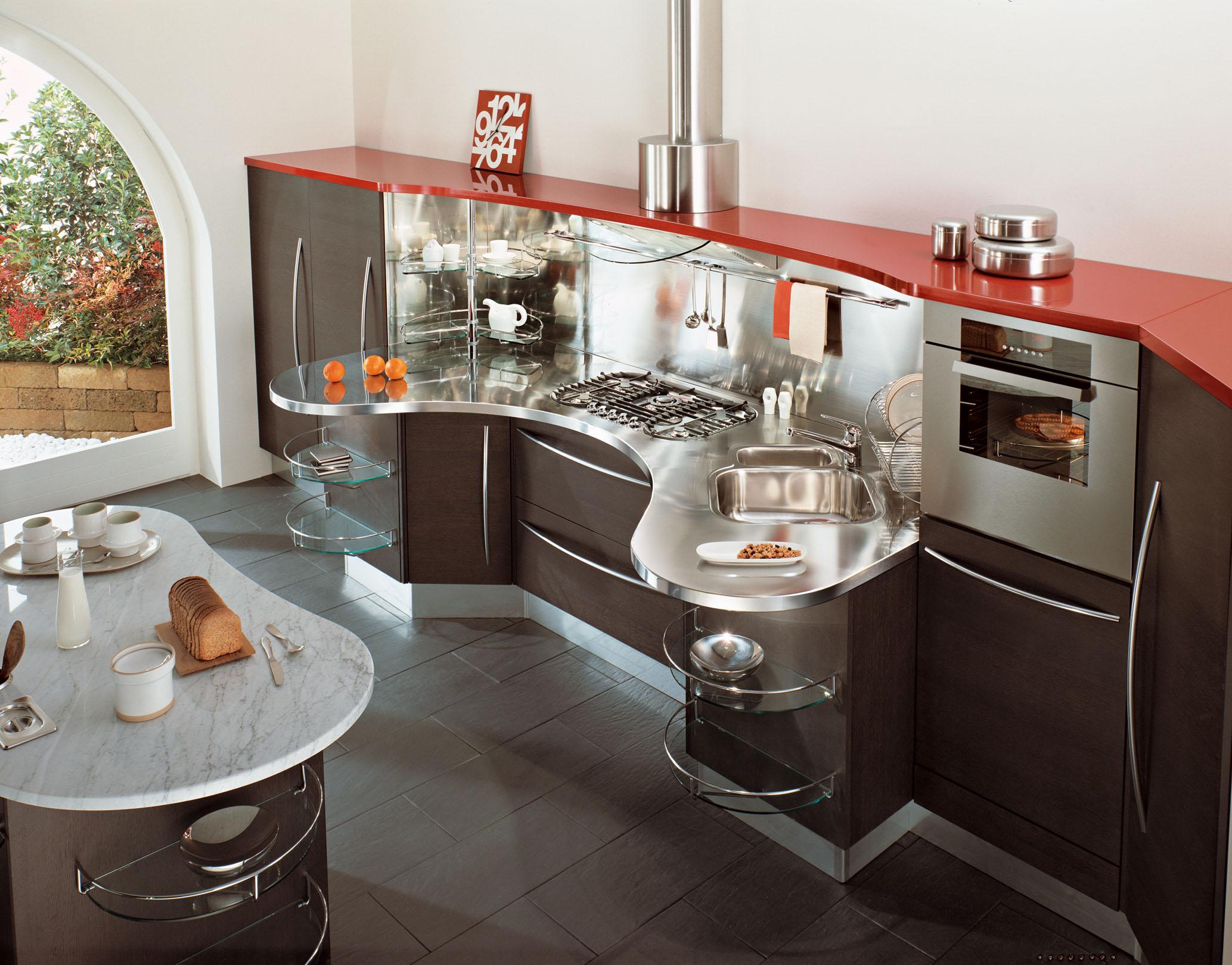 Фнкциональный кухонный гарнитур