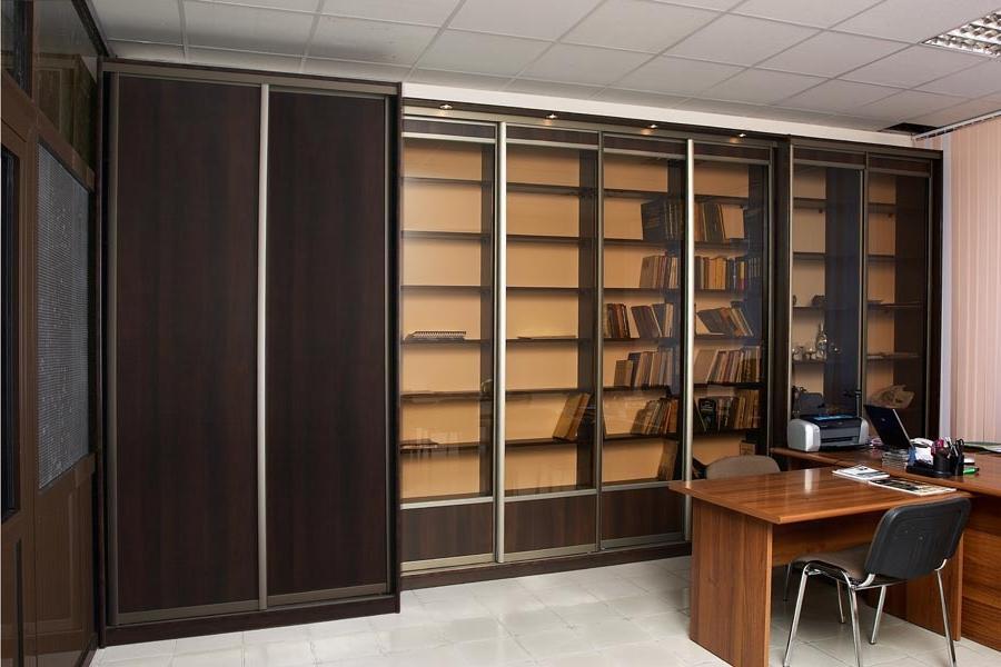 Шкафы в интерьере офиса