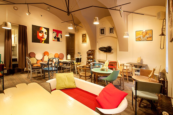 Эклетика в дизайне кофейни