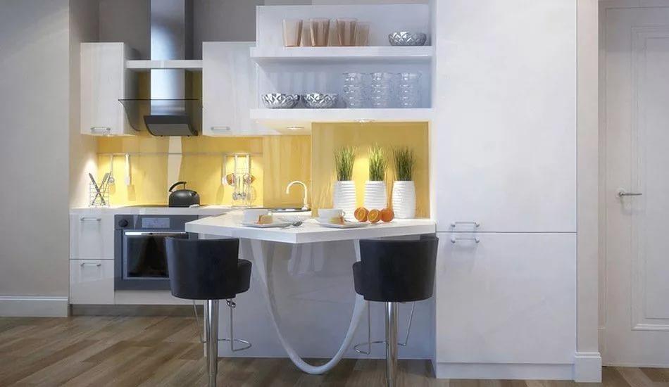 Вариант расстановки мебели на кухне в маленькой квартире