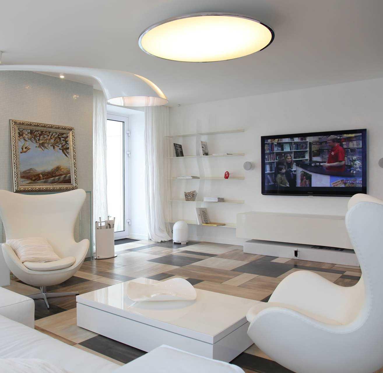 Диван и кресла в квартире-студии