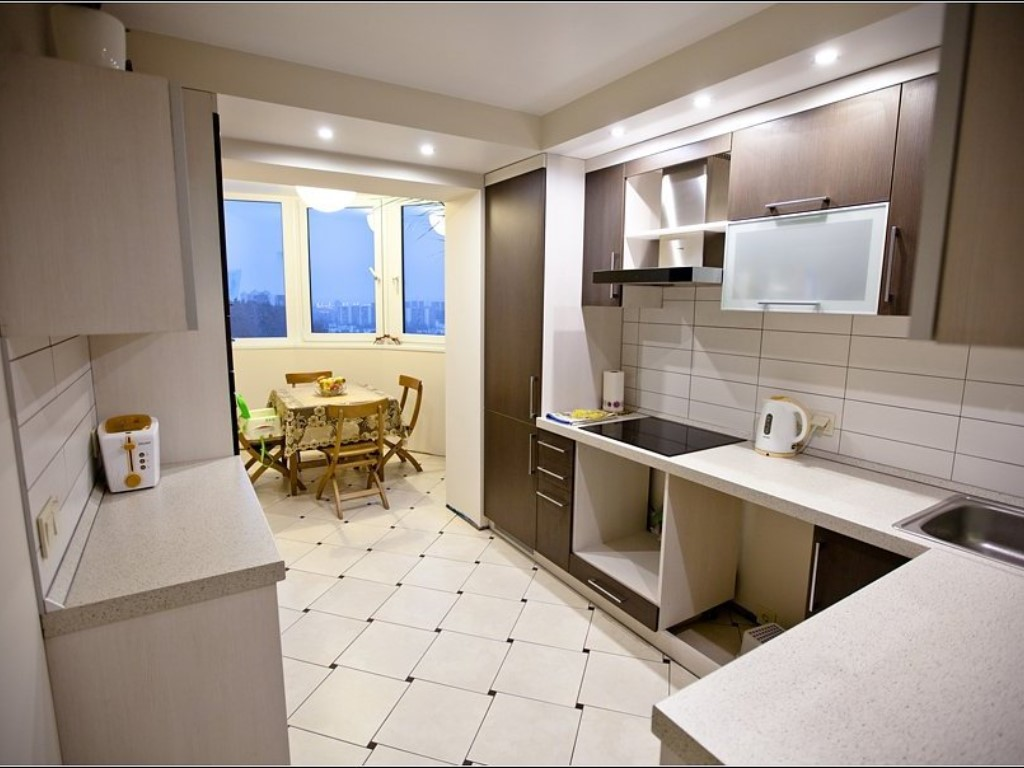 """Фото кухни соединенной с балконом """" современный дизайн."""