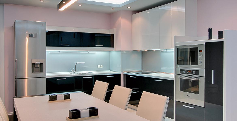 Кухня 10 кв.м. в стиле хай-тек