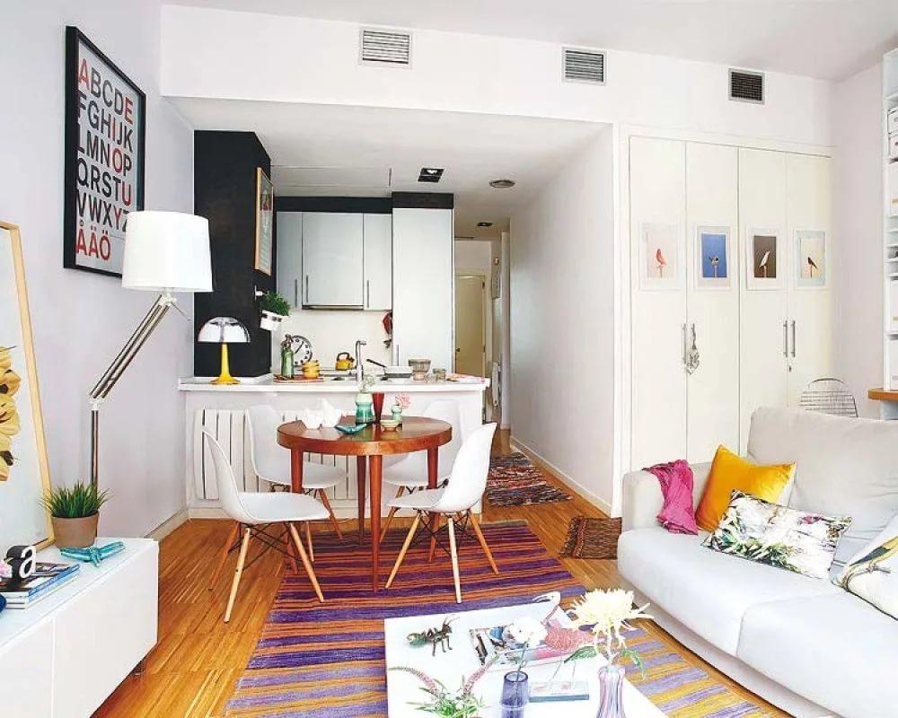Малогабаритная квартира в светлых тонах