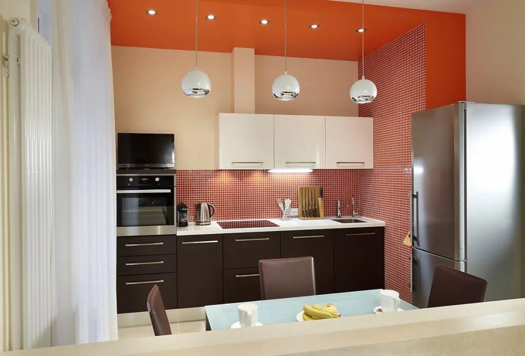 Освещение рабочей зоны на кухне в однокомнатной квартире