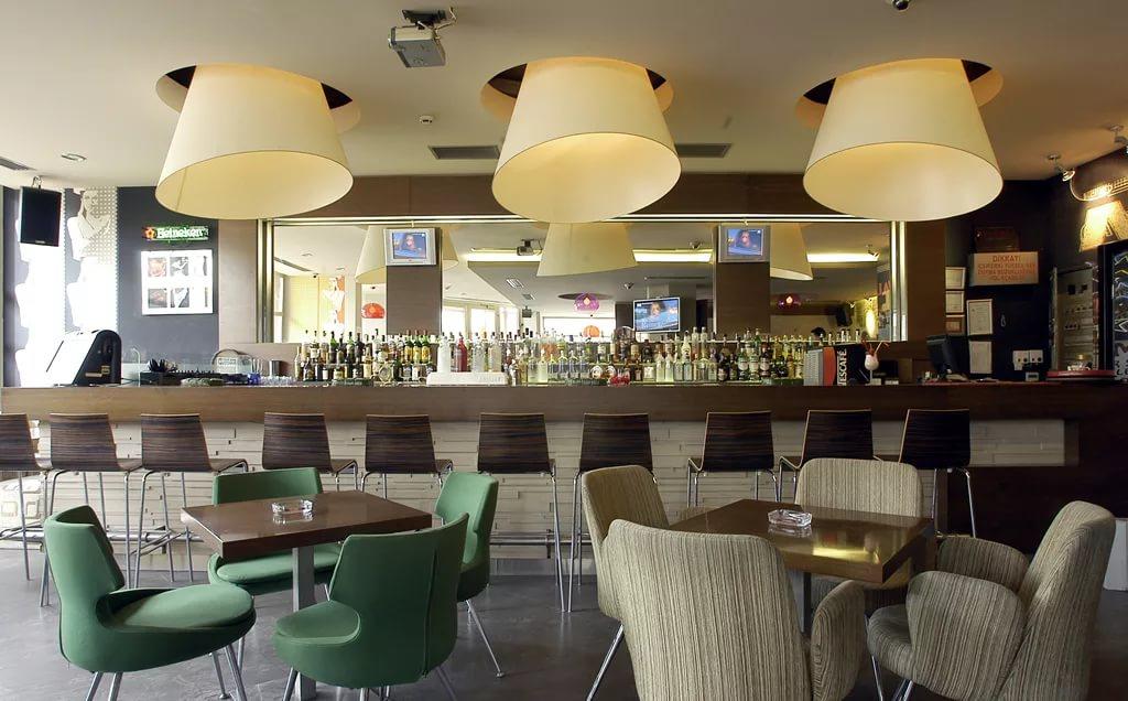 Оформление современного кафе-бара