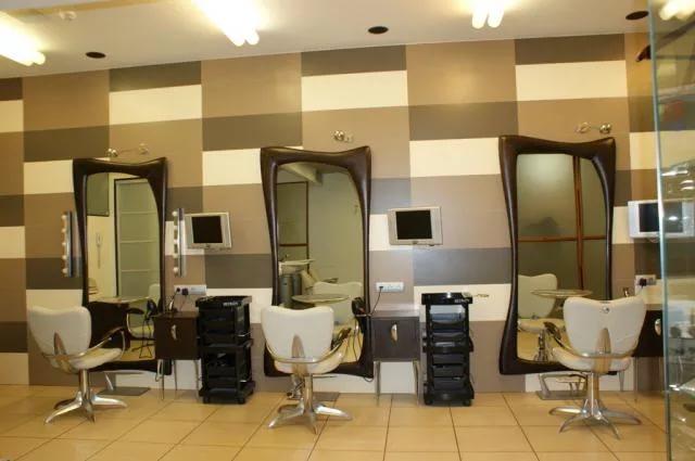 Современное оформление мужского салона красоты